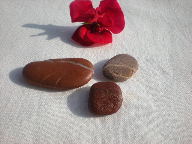 Mediterranean beach pebbles.3 Spanish beach rocks by Oceangifts